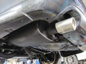 スバル レガシィ ツーリングワゴン マフラー防錆施工後 マフラーカッター